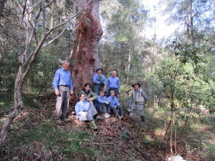 Blue-Gum-Bushcare-group-photos-4-May-2014-Group-Photo-7.jpg