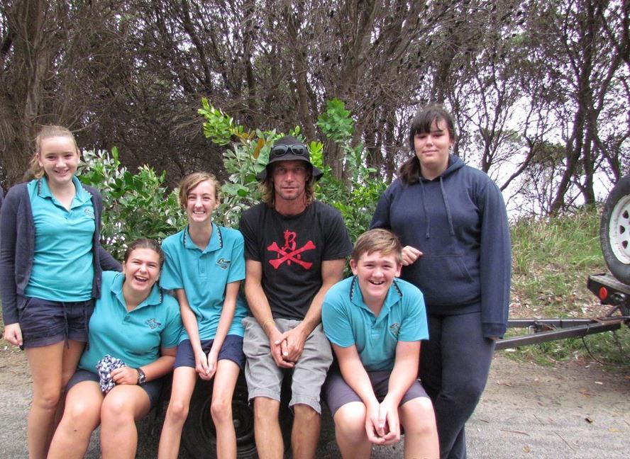 EcoWarriors planting trees Evans Head 2014-03-20 002.JPG