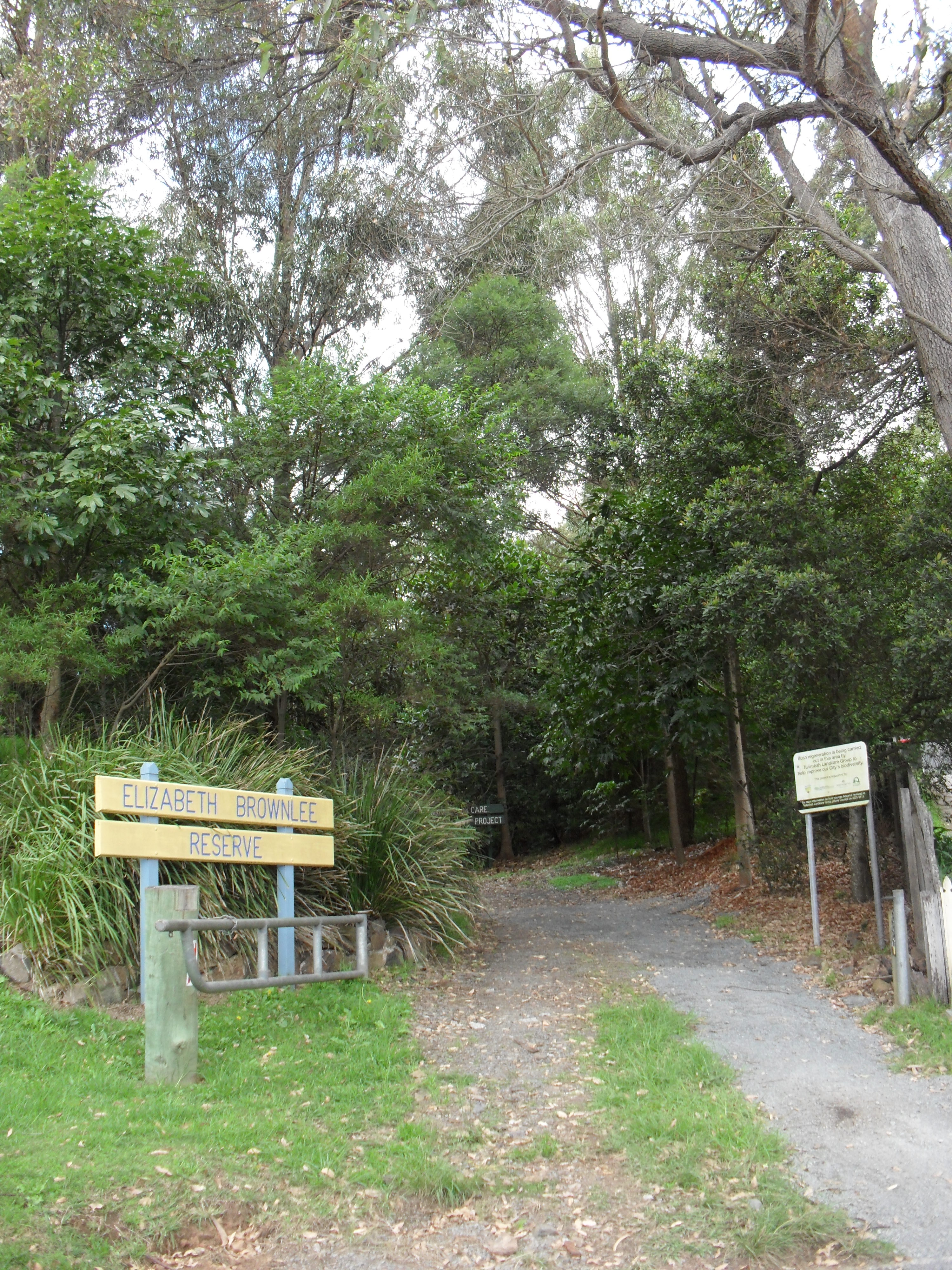 Elizabeth Brownlee entrance to the Reserve